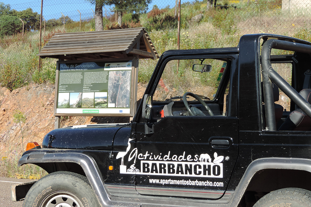 Excursiones a la Sierra de San Pedro con vehículo propio