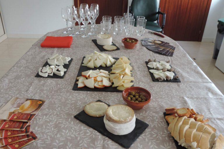 Catas de quesos en Casar de Cáceres